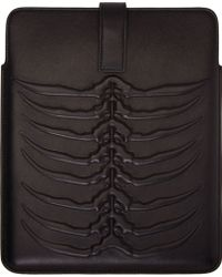 Alexander McQueen Black Leather Rib Cage Tablet Case - Lyst