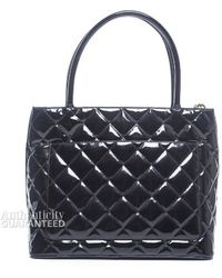 Chanel Preowned Black Patent Leather Medallion Bag - Lyst
