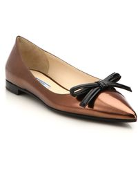 Prada Metallic Leather Bow Flats gold - Lyst