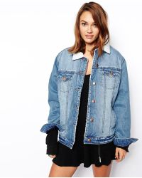 Asos Denim Jacket in Mid Wash with Borg Lining and Collar - Lyst