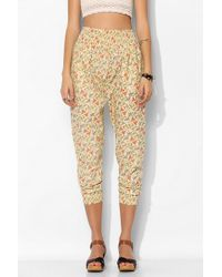 Pins And Needles Floral Smocked Pant - Lyst