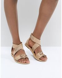 Glamorous - Tan Crossover Flat Sandals - Lyst