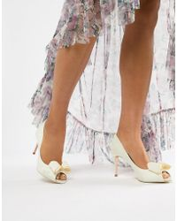 98e7befff5 Ted Baker Neevo 4 Patent Heeled Court Shoes - Nude in Natural - Lyst