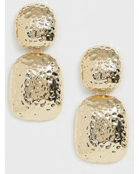 ASOS - Drop Earrings In Hammered Metal Finish In Gold Tone - Lyst