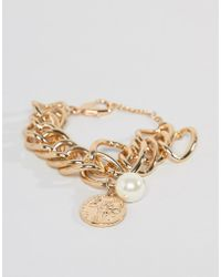 Missguided - Chunky Bracelet In Gold With Coin And Pearl Charms - Lyst