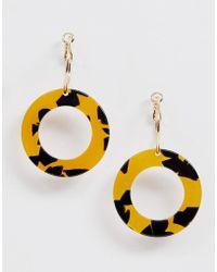 Monki - Hanging Hoop Earrings In Gold And Tortoise - Lyst
