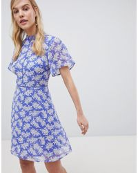 Oasis - Tea Dress With High Neck In Blue Floral Print - Lyst