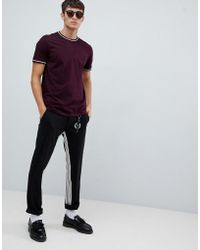 Fred Perry - Twin Tipped T-shirt In Burgundy - Lyst