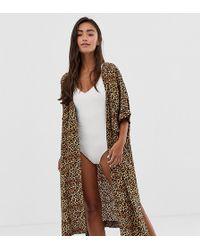 Monki - Caftano marrone con stampa leopardata - Lyst