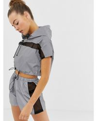 Missguided - Gym Reflective Hooded Sports Crop Top With Mesh Panels In Grey - Lyst
