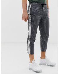 SIKSILK - Pantaloni cropped grigio gessato con riga laterale - Lyst