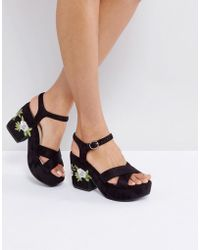 57236878178 Truffle Collection - Truffle Embroidery Floral Platform Sandal - Lyst