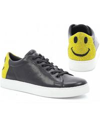 Lola Cruz - Smiley Face Stars Black Leather Trainers - Lyst