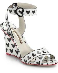 Sophia Webster Amanda Heart-Print Patent-Leather Wedge Sandals - Lyst