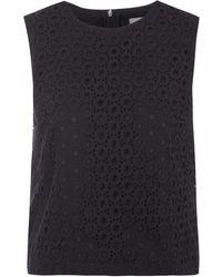 Victoria Beckham Black Sleeveless Crochet Lace Crop Top - Lyst