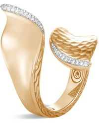 John Hardy - 18k Yellow Gold Classic Chain Hammered Wave Bypass Ring With Pavé Diamond - Lyst