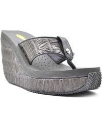 Volatile - Women's Iggy Sandals - Lyst