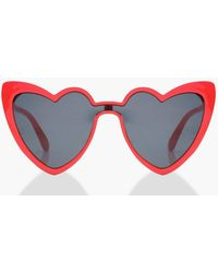 Boohoo - Sophie Heart Shape Cat Eye Sunglasses - Lyst
