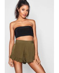 Boohoo - Solid Colour Ruffle Hem Shorts - Lyst