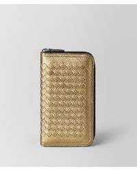 Bottega Veneta - Zip-around Wallet In Metallic Calf Leather - Lyst