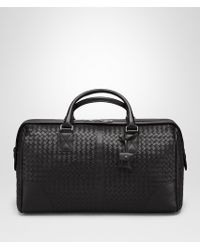 49e2741ab3 Hot Bottega Veneta - Medium Duffel Bag In Nero Intrecciato Vn - Lyst