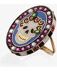 Holly Dyment - 18k Yellow Gold Skull Sunday Diamond Sapphire Ring - Lyst