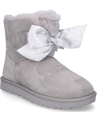 UGG - Ankle Boots Gita Bow Suede Logo Ribbon Light Grey - Lyst
