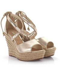 UGG - Wedge Sandals Reagan Plateau Leather Gold Finished Bast - Lyst