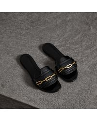 Burberry - Link Detail Patent Leather Slides - Lyst