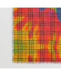 Burberry - Grand carré de laine et soie à motif Vintage check tie-dye - 65a1f4de015
