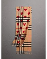 Burberry - The Classic Cashmere Scarf In Check And Hearts Parade Red - Lyst
