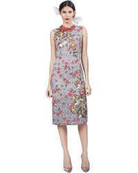 Oscar de la Renta Sleeveless Pencil Dress with Floral Applique - Lyst