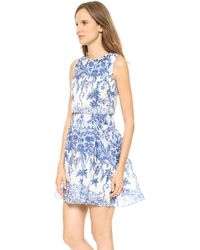 Notte By Marchesa Sleeveless Printed Organza Cocktail Dress Royal - Lyst