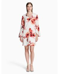 8ce2fbf8 Calvin Klein - Floral V-neck Flutter Sleeve Sheath Dress - Lyst