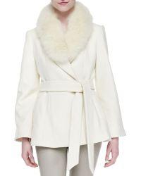 Alice + Olivia Alice  Olivia Meridian Fur-collar Tie-waist Coat Cream X-small - Lyst