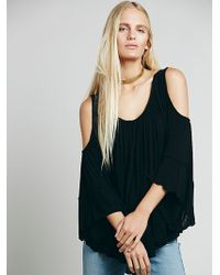Free People Chloe Cold Shoulder Tee - Lyst