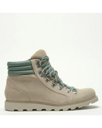 Sorel - Ainsley Conquest Beige Suede Walking Boots - Lyst
