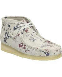 Clarks - Wallabee Splatter Paint Suede Boot With Crepe Sole - Lyst