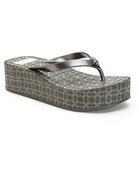 Giselle Metallic Thong Platform Sandals XSvw0
