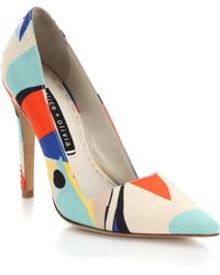 Alice + Olivia Dina Top-Stitched Printed Pumps - Lyst