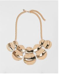 Express - Hammered Circle Metal Statement Necklace - Lyst