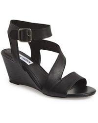 Steve Madden Women'S 'Stipend' Wedge Leather Sandal - Lyst