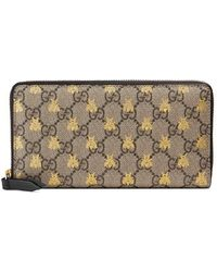 d65447be5e4 Gucci - GG Supreme Bees Zip Around Wallet - Lyst