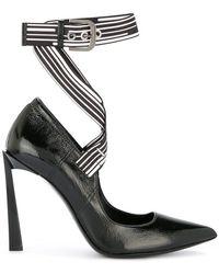 Lanvin - Zapatos de tacón con logo - Lyst dca75cff1adb