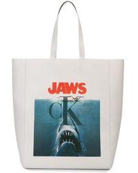 """CALVIN KLEIN 205W39NYC - Shopper mit """"Jaws""""-Print - Lyst"""
