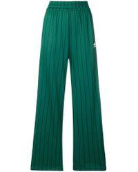 adidas - Pantalones de chándal con logo en contraste - Lyst