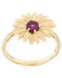 Aurelie Bidermann - 18kt Yellow Gold Garnet Flower Ring - Lyst