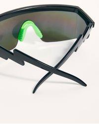 4d911112b73a Free People - Brenda Sport Shield Sunglasses - Lyst