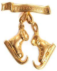 Hermès - Gold-tone Les Fetes En Ice Skate Boots Dangle Brooch Pin - Lyst