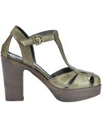 Fiorentini + Baker - Witta Textured Leather Sandals - Lyst